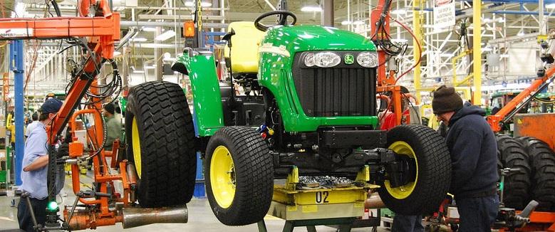 Traktorek ogrodowy to praktyczne i wygodne narzędzie