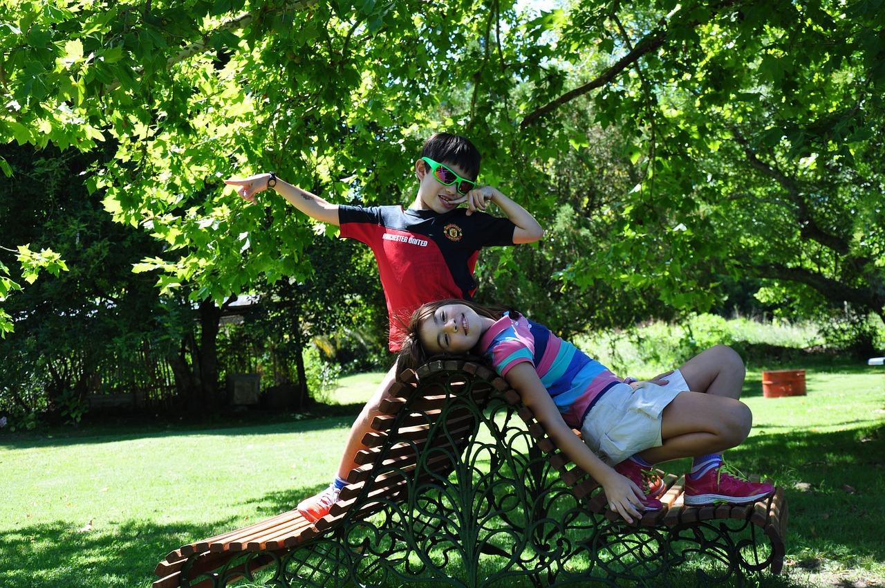 rozrywka dla dzieci w ogrodzie