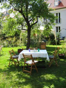 Jak wybrać stół ogrodowy?